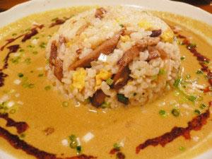 中華食堂りょうのカレー風味坦々スープかけ炒飯