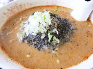 餃子館の黒ごま坦々麺